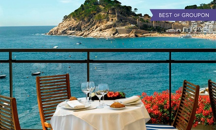 Menú para 2 personas con 2 entrantes, 4 principales y 2 postres por 44,90 € en Premier Gran Hotel Reymar & Spa ****