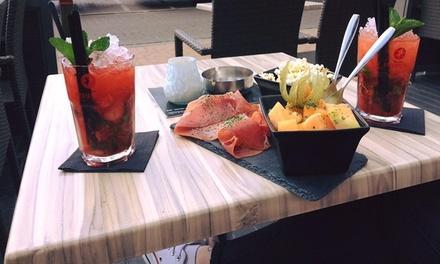 2 of 4 cocktails naar keuze met porties warme mix vanaf € 14,99 bij Bistro Bar Qvee
