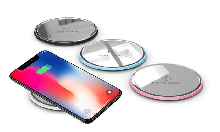 Titolo1 o 2 caricatori wireless per ricarica rapida compatibili con iPhone e dispositivi Android e disponibili in 4 colori