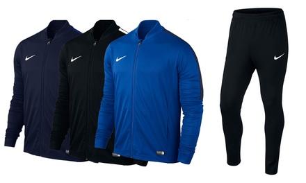 Nike Trainingsanzug in Schwarz, Navy oder Blau  (Stuttgart)