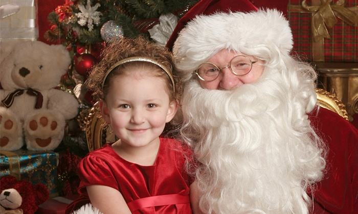 Yuen Lui Studio - Multiple Locations: $49 for a Holiday Photo Shoot with Prints and Digital Image at Yuen Lui Studio ($485 Value)