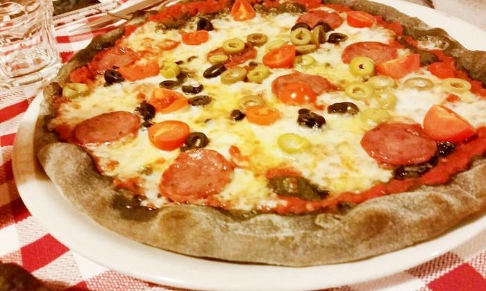 L' Osteria - Fiesso Umbertiano: Menu pizza a scelta tra 40 gusti con antipasto, birra e dolce per 2 o 4 persone da L'Osteria (sconto fino a 65%)