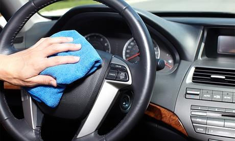 1 o 3 lavados completos de coche a mano desde 8,95 € o 1 lavado con limpieza de tapicería por 39,95 €