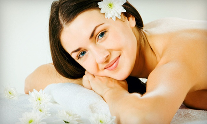 Bella Reina Spa - Delray Beach: $59 for a Spa Package with Facial or Massage, Body Wrap, Eye Treatment, and Detox Drink at Bella Reina Spa ($187 Value)