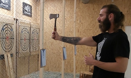 Sesión de lanzamiento de hachas para 2 o 4 personas de 60 minutos en The Axe Throwing Club