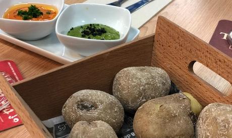 Menú de comida canaria para dos personas con platos a compartir, postre y bebida desde 19,95 € en Picón Producto Canario