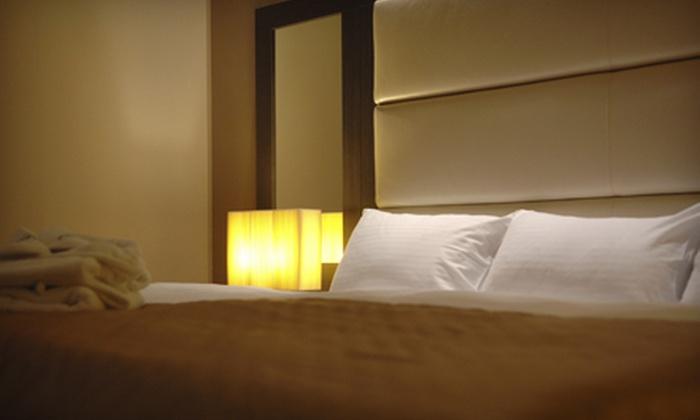 Fallsview Lodge - Niagara Falls: $39 for 1 night stay at the Fallsview Lodge ($129.95 Value)