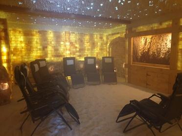 Aufenthalt in der Salzgrotte optional mit Salinarium und Massage in der Salinum Salzgrotte