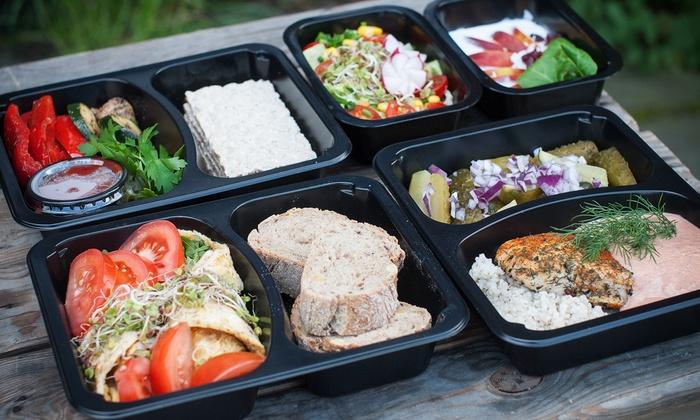 5-daniowy catering dietetyczny z firmą Catering Smaczna Paczka: dieta od 179,99 zł z dostawą