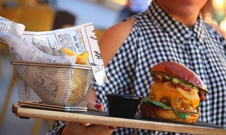 Menú para 2 o 4 personas con entrante, principal, postre y bebida desde 21,99 € en Le Grand Café Centro
