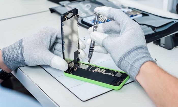 Apple Screen Repair at Aqua Fix (Up to 50% Off).  Six Options Available.