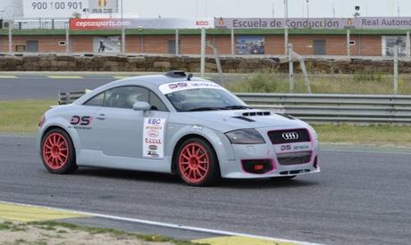 2 o 5 vueltas de conducción de coche de rallyes o Audi TT 250 cv en el circuito del Jarama desde 49 € con Deyscom Sport