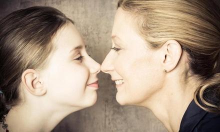 60 od. 90 Min. Mutter-Kind-Fotoshooting mit Make-up, Styling und Bildern bei Das mechanische Auge (bis zu 74% sparen*)