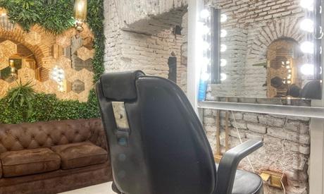 Sesión con lavado, corte y peinado y opción a tratamiento, tinte y/o mechas en Maketube (hasta 81% de descuento)