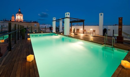 Groupon.it - Malaga: camera doppia Standard con colazione opzionale per 2 persone all'hotel Vincci Selección Posada del Patio 5*