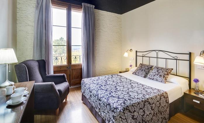Tarragona hasta 7 noches para 2, 4 o 6 con visita a bodega, detalle y opción a desayuno en Sercotel Hotel Villa Engracia