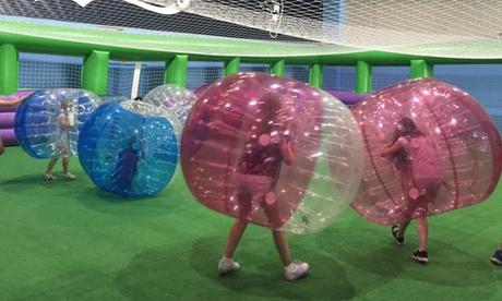 Fútbol burbuja indoor para hasta 12 personas con opción a menú desde 29,95 € en Mallorca Bowling