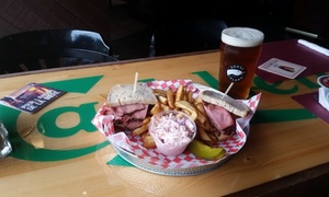 La Claddagh Pub Irlandais: C$20 for a C$40 Voucher Valid on All Meals and Drinks at La Claddagh Irish Pub
