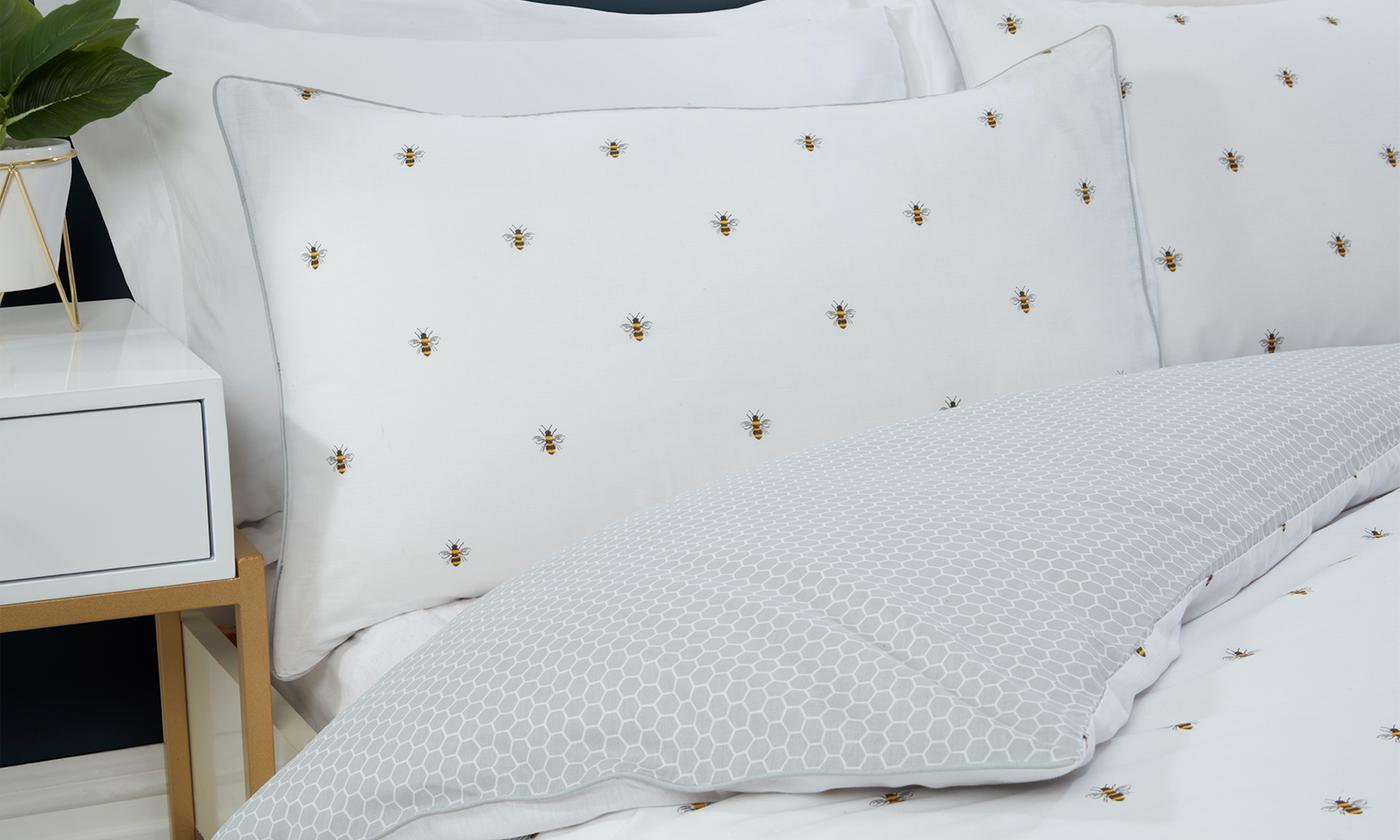 Pieridae Bumble Bee Reversible Duvet Set