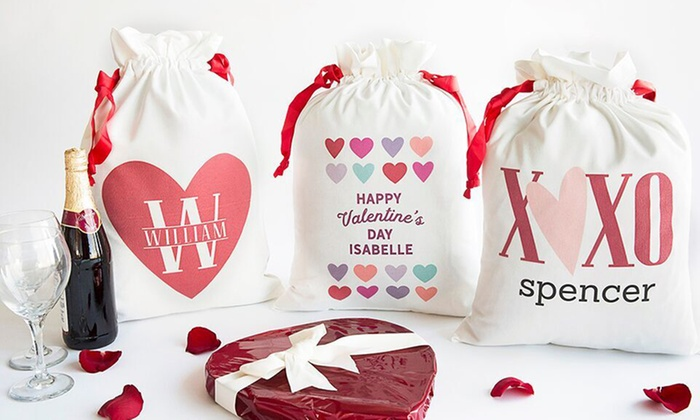 Qualtry: One, Two, or Three Personalized Love-Themed Gift Bags from Qualtry (Up to 56% Off)