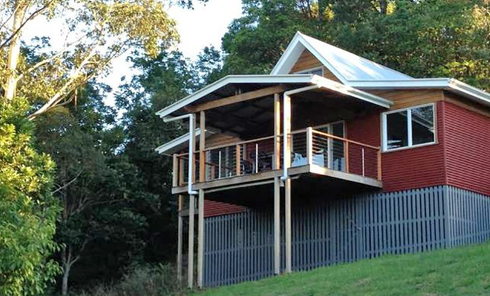 Sunshine Coast: Getaway for Four People with Late Check-Out at Maleny Holiday Homes