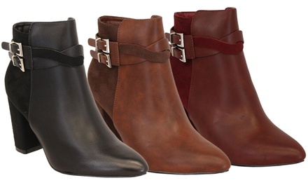 Universal Clothing Ankle Boots