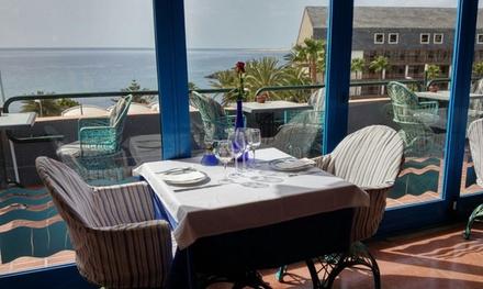 Menú para 2 o 4 con aperitivo, entrante, principal, postre y bebida con opción a mini golf  por 29,95 € en Panorama