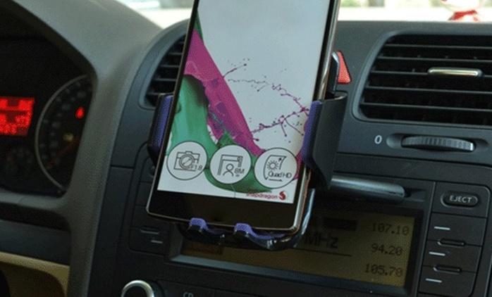 מעמד מיוחד לסלולרי המתחבר לפתח הדיסק ברכב ומתכוונן 360 מעלות לשימוש נוח