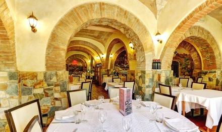 Ristorante Il Borgo dal 1930, menu completo di mare o terra con bottiglia di vino per 2 persone (sconto 50%)
