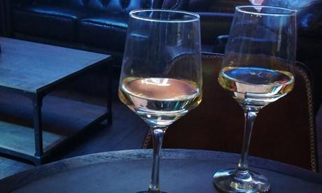 2 tapas y bebida para 2, 4, 6 u 8 personas desde 4,50 € en Food Market Barceló