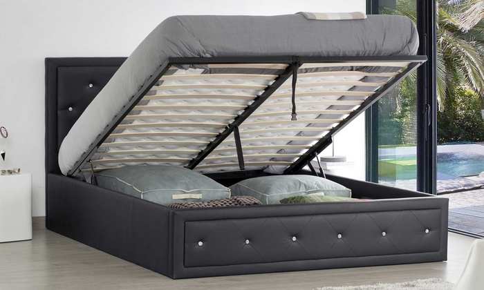 lit coffre strass avec ou sans matelas groupon. Black Bedroom Furniture Sets. Home Design Ideas