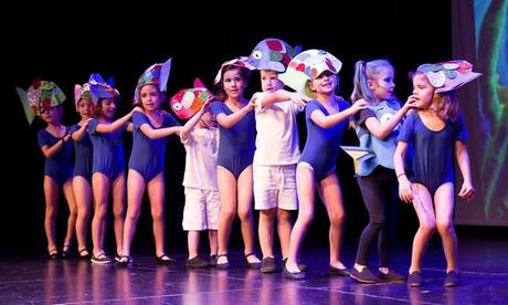 Clases de teatro musical para niños, jóvenes y adultos o ballet en inglés por 19,90 € en MAX Teatro Musical