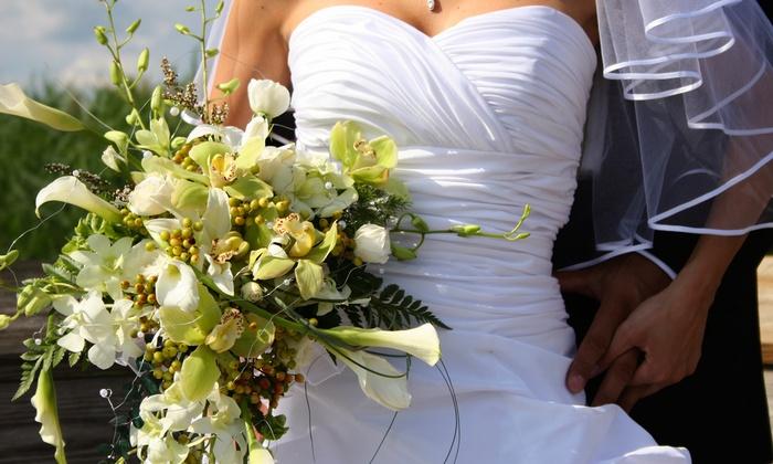 Karen's Floral Designz - East End: C$150 for C$300 Toward Wedding Flower Arrangements at Karen's Floral Designz