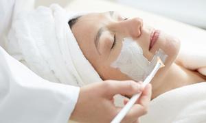 Kosmetik Harmonie: 70 Min. Intensiv- oder 90 Min. Luxus-Gesichtsbehandlung für eine Person bei Kosmetik Harmonie (bis zu 63% sparen*)