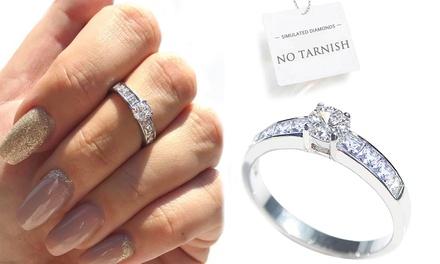 Anillo de diamante simulado de corte princesa de acero inoxidable Ah! Jewellery