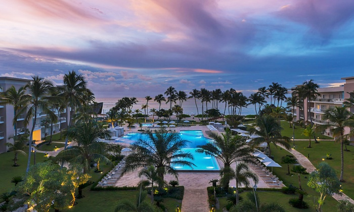 4.5-Star Punta Cana Resort with Ocean Views and Daily Breakfast for 2