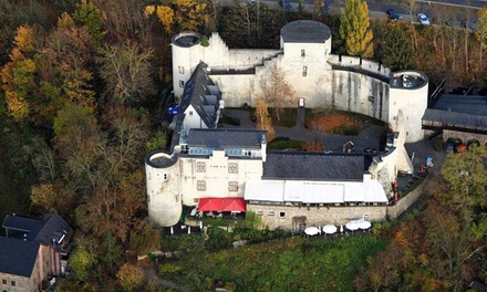 Bad Münstereifel: Burgmenü für 2-4 Personen auf der Eifelburg, opt. mit ÜN für Zwei im Hotel Eifelburg