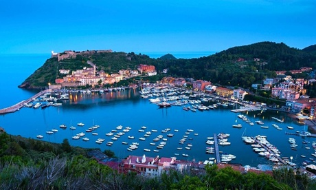Port Ercole: 3, 5 o 7 noches para 2 personas con media pensión, spa y piscina en Porto Ercole Resort And Wellness Spa 5* Oferta en Groupon