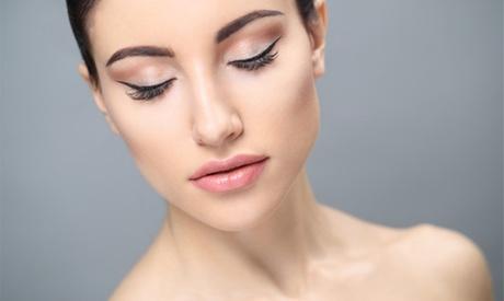 Lifting y tinte de pestañas con opción a diseño y depilación de cejas y tinte de cejas en Lola Nails And Beauty