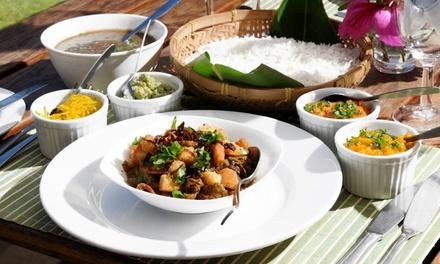 Entrée avec assortiments variés, plat chaud, dessert et punch pour 2 ou 4 personnes à 29,90 € au Resto des Iles