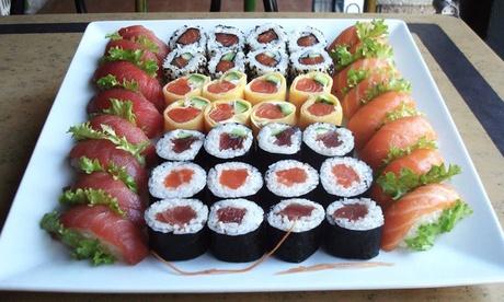 Menú para 2 o 4 personas 40 u 80 piezas de sushi y bebida desde 19,95 € en Sushi King General Riera