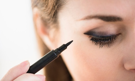 $15 for an Online Makeup Artist Course from Smart Majority ($595 Value)
