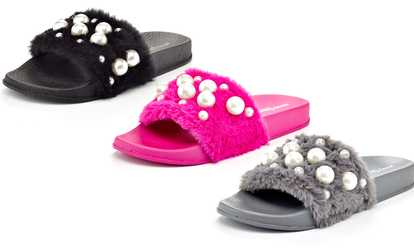 ad8ffdd9d Shop Groupon Women s Faux Fur and Pearl Detail Slide Slippers