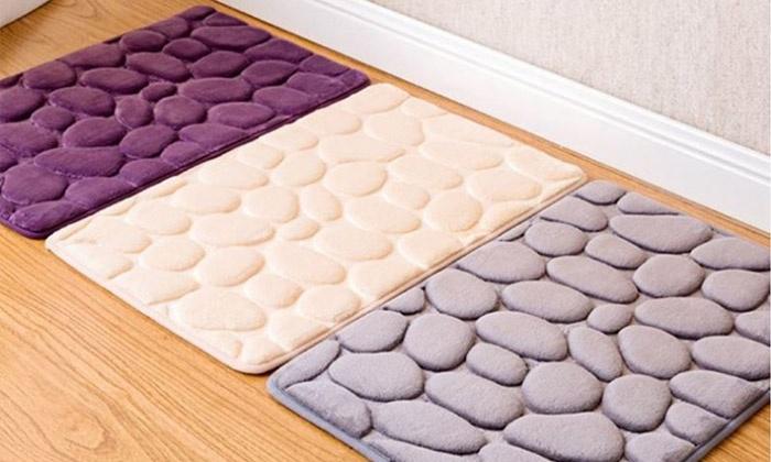 SDI אס די איי יבוא ושיווק - Merchandising (IL): שטיח אמבט מפנק בעיצוב של חלוקי נחל, ליציאה רכה ונעימה מהמקלחת