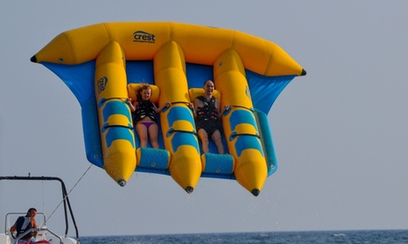 Banana boat para 1, 2, 4 u 8 personas o flyfish para 1, 2, 3 o 6 personas desde 11 € con Touristing Valencia