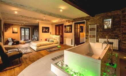 Pontenova: 1, 2 o 3 noches para 2 con excursión, sidra, detalle y opción a cena y late check out en A Casa Do Retratista
