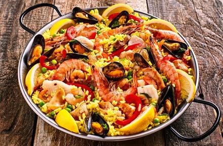 Paëlla Estepona aux fruits de mer et dessert au choix pour 2 personnes à 25 € chez Paco De Maria à Strasbourg