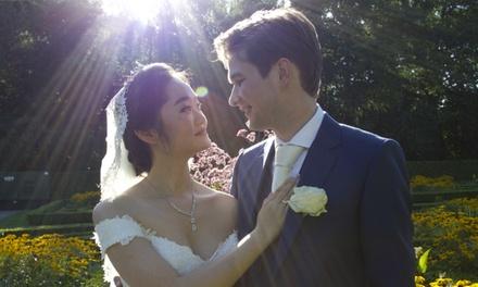 Trouw of verlovingsfotoshoot van 16 uur op locatie door Elm and Bloom Wedding Photography