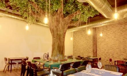 Menú italiano para 2 o 4 personas con entrante, principal, postre y bebida en 450 Gradi (hasta 63% de descuento)