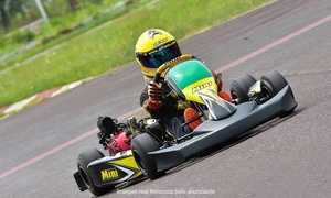 Tarumã Kart Clube: Tarumã Kart Clube - Viamão: corrida de kart para 1, 5 ou 10 pessoas